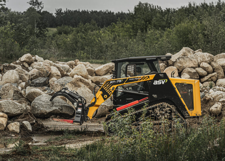 RT RT-75 Compact Track Loader with Grapple