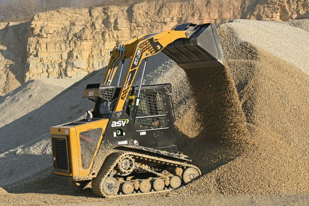 RT-75 Compact Track Loader with Bucket